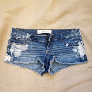 ❤2 for $30 Abercrombie and Fitch Distressed Shorts
